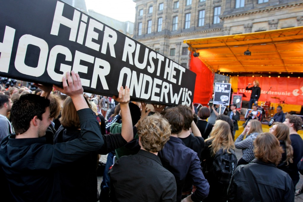 The protests in 2012 were framed as the funeral of the higher education. Coffins were carried through the public, Amsterdam, March 2012. Courtesy of ASVA